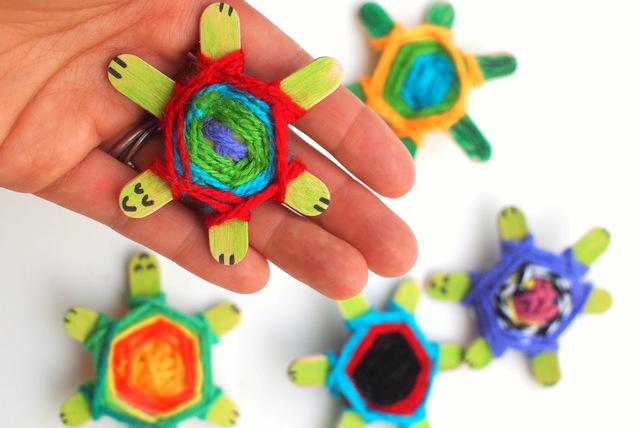 Weaving Cute Baby Turtles Using God's Eye Weaving Pattern | Pink ...